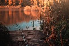 Αποβάθρα στη λίμνη Στοκ φωτογραφίες με δικαίωμα ελεύθερης χρήσης