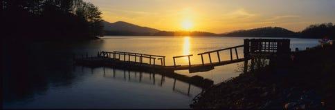 Αποβάθρα στη λίμνη Chatuge, Γεωργία στοκ φωτογραφία