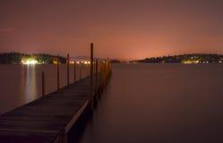 Αποβάθρα τη νύχτα Στοκ εικόνα με δικαίωμα ελεύθερης χρήσης
