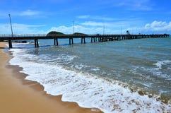Αποβάθρα Queensland Αυστραλία κεκλιμένων ραμπών βαρκών λιμενοβραχιόνων όρμων φοινικών όρμων φοινικών Στοκ Εικόνα