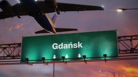 Απογείωση Γντανσκ αεροπλάνων κατά τη διάρκεια μιας θαυμάσιας ανατολής polish ελεύθερη απεικόνιση δικαιώματος
