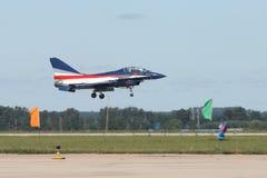 απογείωση πολεμικό τζε&tau Στοκ φωτογραφία με δικαίωμα ελεύθερης χρήσης