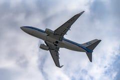 Απογείωση LKPR του Boeing 737-800 στοκ εικόνα με δικαίωμα ελεύθερης χρήσης