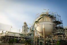 Αποθήκευση αερίου σφαιρών στο εργοστάσιο πετροχημικών Στοκ Εικόνα