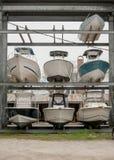 Αποθήκευση βαρκών σε μια μαρίνα Στοκ Εικόνες