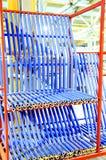 Αποθήκη εμπορευμάτων των πινάκων μορίων ή των chipboards materail για την υποστήριξη οι κατασκευαστές επίπλων Δωμάτιο παραγωγής στοκ φωτογραφία με δικαίωμα ελεύθερης χρήσης
