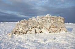 Αποθήκη πάγου, χειμώνας, τοίχος των τούβλων πάγου, παραλία Στοκ Φωτογραφίες