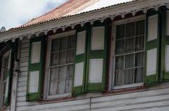 Αποικιακά παράθυρα Στοκ φωτογραφίες με δικαίωμα ελεύθερης χρήσης