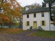 αποικιακό εξοχικό σπίτι στοκ εικόνα