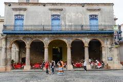 Αποικιακό σπίτι Plaza de Λα Catedral στην παλαιά Αβάνα Στοκ φωτογραφία με δικαίωμα ελεύθερης χρήσης