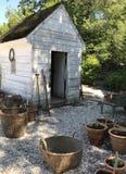 Αποικιακό υπόστεγο κήπων στοκ εικόνα με δικαίωμα ελεύθερης χρήσης