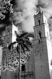 Αποικιακό χωριό του Βαγιαδολίδ, Yucatan σε γραπτό Στοκ Φωτογραφίες