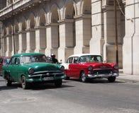 Αποκατεστημένα αυτοκίνητα μέσα στην Αβάνα Κούβα Στοκ Εικόνα