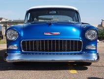 Αποκατεστημένη αντίκα 1955 μπλε Chevrolet Belair Στοκ φωτογραφία με δικαίωμα ελεύθερης χρήσης