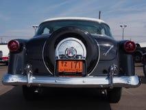 Αποκατεστημένο το 1954 η παλαιά Ford με Ford-ο-Matic Στοκ Εικόνες