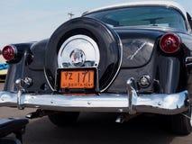 Αποκατεστημένο το 1954 η παλαιά Ford με Ford-ο-Matic Στοκ φωτογραφία με δικαίωμα ελεύθερης χρήσης