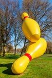 Αποκαλούμενες γλυπτό πετώντας καρφίτσες στο Αϊντχόβεν, Κάτω Χώρες Στοκ Εικόνες