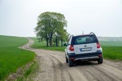 Αποκαλούμενο τοπίο Moravian Τοσκάνη με το πλαϊνό αυτοκίνητο, Μοραβία, Δημοκρατία της Τσεχίας Στοκ Φωτογραφίες