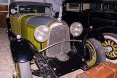 Αποκλειστικά εκλεκτής ποιότητας αυτοκίνητα στις ρόδες με τα spokes Μόσχα, Ρωσία - 22 10 2016 Μουσείο του στρατιωτικού εξοπλισμού  Στοκ εικόνα με δικαίωμα ελεύθερης χρήσης