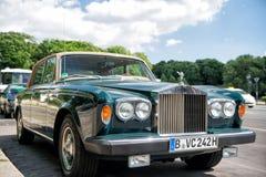 Αποκλειστική ασημένια σκιά ΙΙ Rolls-$l*royce αυτοκινήτων πολυτέλειας πράσινη Στοκ Φωτογραφία