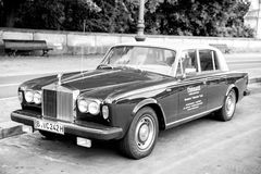 Αποκλειστική ασημένια σκιά ΙΙ Rolls-$l*royce αυτοκινήτων πολυτέλειας πράσινη Στοκ Εικόνα