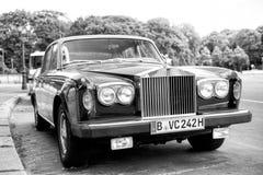 Αποκλειστική ασημένια σκιά ΙΙ Rolls-$l*royce αυτοκινήτων πολυτέλειας πράσινη Στοκ φωτογραφίες με δικαίωμα ελεύθερης χρήσης