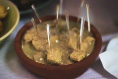 απολύτως carbonnade ψωμιού boeuf μπύρας βόειου κρέατος το βελγικό καρότων κλασικό μαγειρευμένο κολοκυθιών φλοιώδες Λα γυαλιού fla Στοκ Εικόνες
