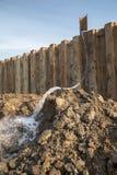 Απομακρύνοντας το νερό εργοτάξιο οικοδομής Στοκ φωτογραφία με δικαίωμα ελεύθερης χρήσης