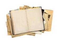 απομονωμένα βιβλίο αντικείμενα παλαιά πέρα από το λευκό φωτογραφιών Στοκ Εικόνα