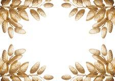 Απομονωμένα χρυσά φύλλα Στοκ φωτογραφία με δικαίωμα ελεύθερης χρήσης