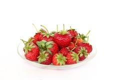Απομονωμένες φρέσκες φράουλες Στοκ Εικόνες