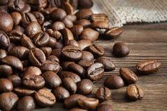 απομονωμένη ιδανικό μακροεντολή καφέ προγευμάτων φασολιών πέρα από το λευκό closeup διάστημα αντιγράφων Στοκ Φωτογραφίες