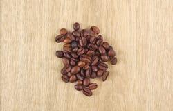 απομονωμένη ιδανικό μακροεντολή καφέ προγευμάτων φασολιών πέρα από το λευκό Στοκ Φωτογραφίες