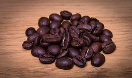 απομονωμένη ιδανικό μακροεντολή καφέ προγευμάτων φασολιών πέρα από το λευκό Στοκ εικόνες με δικαίωμα ελεύθερης χρήσης