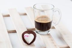 Απομονωμένη σοκολάτα καρδιών στοκ εικόνα