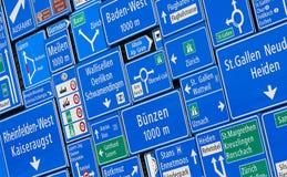 απομονωμένοι οι περιοχή πεζοί απαγόρευσαν τα περιορισμένα οδικά σημάδια επάνω Στοκ εικόνες με δικαίωμα ελεύθερης χρήσης