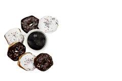 Απομονωμένοι Donuts και καφές Στοκ εικόνες με δικαίωμα ελεύθερης χρήσης