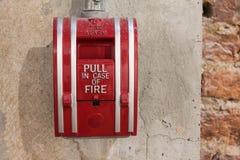 απομονωμένος καπνός μονοπατιών πυρκαγιάς ανιχνευτών ψαλιδίσματος συναγερμών εικόνα Στοκ Εικόνα