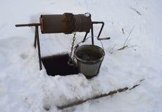 Απομονωμένος, καφές, χιόνι, παλαιό, χειμώνας, λευκό, μέταλλο, νερό, ποτό, εξοπλισμός, κρύο, εργαλείο, εμπορευματοκιβώτιο, αντικεί στοκ φωτογραφίες