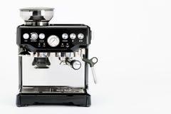 Απομονωμένος μαύρος χειρωνακτικός κατασκευαστής καφέ με το μύλο σε ένα άσπρο υπόβαθρο στοκ φωτογραφία με δικαίωμα ελεύθερης χρήσης