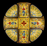 Απομονωμένος χρυσός ιερός σταυρός Στοκ Εικόνα