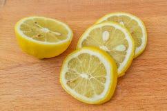 απομονωμένο ανασκόπηση λευκό φετών λεμονιών Στοκ Εικόνες