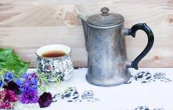 απομονωμένο ανασκόπηση teapot αντικειμένου μετάλλων λευκό Στοκ εικόνα με δικαίωμα ελεύθερης χρήσης