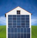 απομονωμένο επιτροπής ηλιακό λευκό ήλιων ενεργειακής χέρι Στοκ Φωτογραφία
