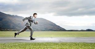 απομονωμένο επιχειρηματίας τρέχοντας λευκό Στοκ Φωτογραφίες