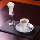 απομονωμένο λευκό μονοπατιών φλυτζανιών καφέ ανασκόπησης espresso Στοκ Εικόνες