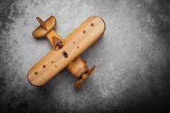 απομονωμένο λευκό παιχνιδιών αεροπλάνων ανασκόπηση Στοκ Εικόνα