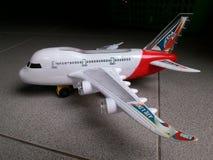 απομονωμένο λευκό παιχνιδιών αεροπλάνων Στοκ Εικόνες