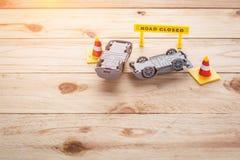 απομονωμένο λευκό παιχνιδιών αυτοκινήτων αυτοκινήτων ατυχήματος συντριβή Στοκ φωτογραφίες με δικαίωμα ελεύθερης χρήσης