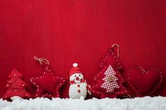απομονωμένο λευκό παιχνιδιών σφαιρών Χριστουγέννων ανασκόπησης γυαλί Στοκ Φωτογραφίες